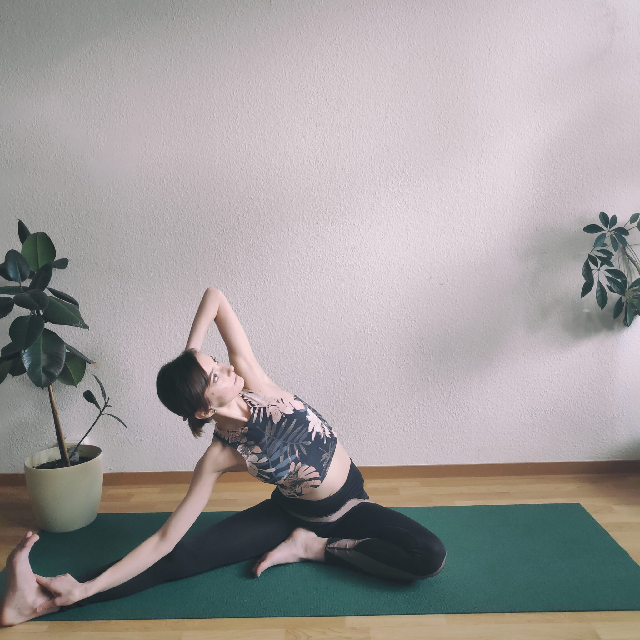 Seated Head-to-Knee Variation With A Side Bend