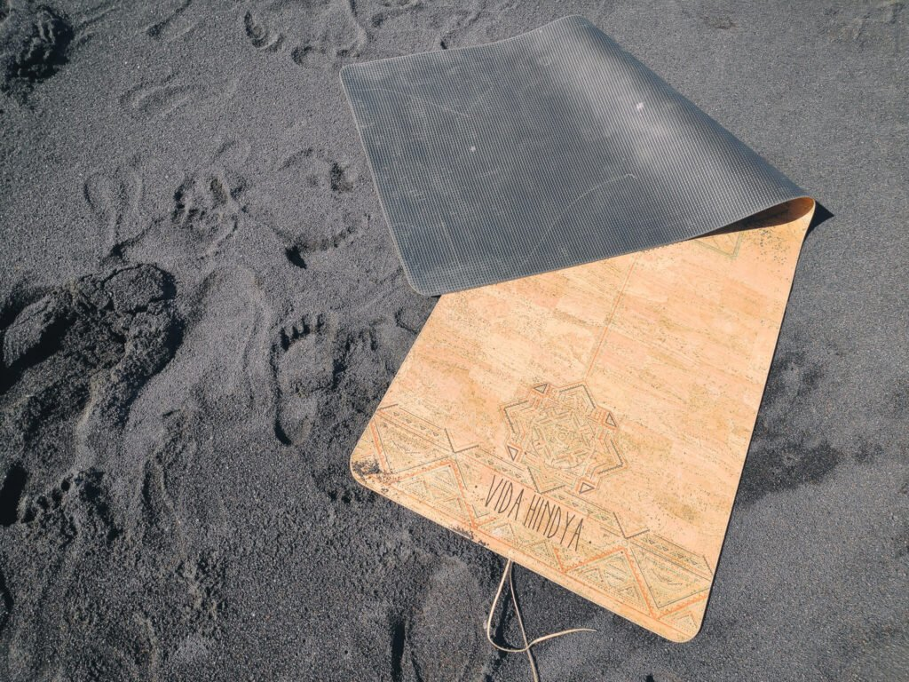 A perfect mix of sustainable cork and natural rubber makes the mat non-slip and biodegradable.